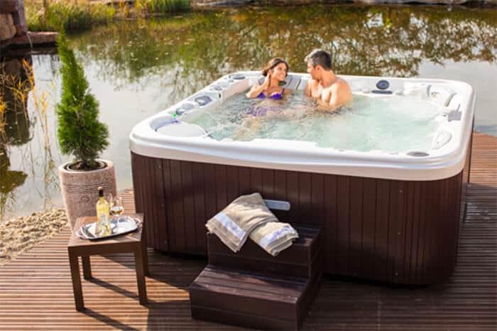 Spa jacuzzi zwemspa infrarood sauna in limburg silu for Zwemspa prijzen