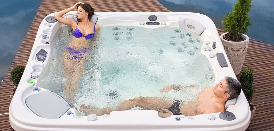lekker ontspannen in een spa of jacuzzi | Silu Home & Wellness
